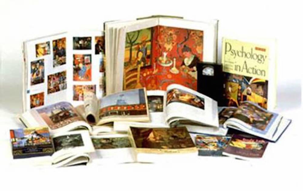 錦芳博士的藝術在全世界33個國家300多本教科書、藝術書籍、刊物等被介紹 使用,以下是一些例子。